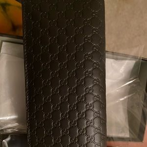 Authentic Gucci Microguccissima Wallet